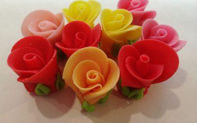 Jak vytvořit růže zmarcipánu (mandlové hmoty)
