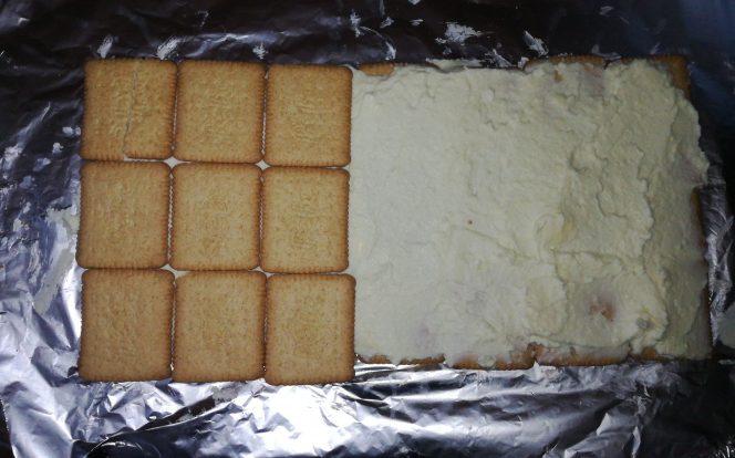 3. Nanesení náplně a sušenek