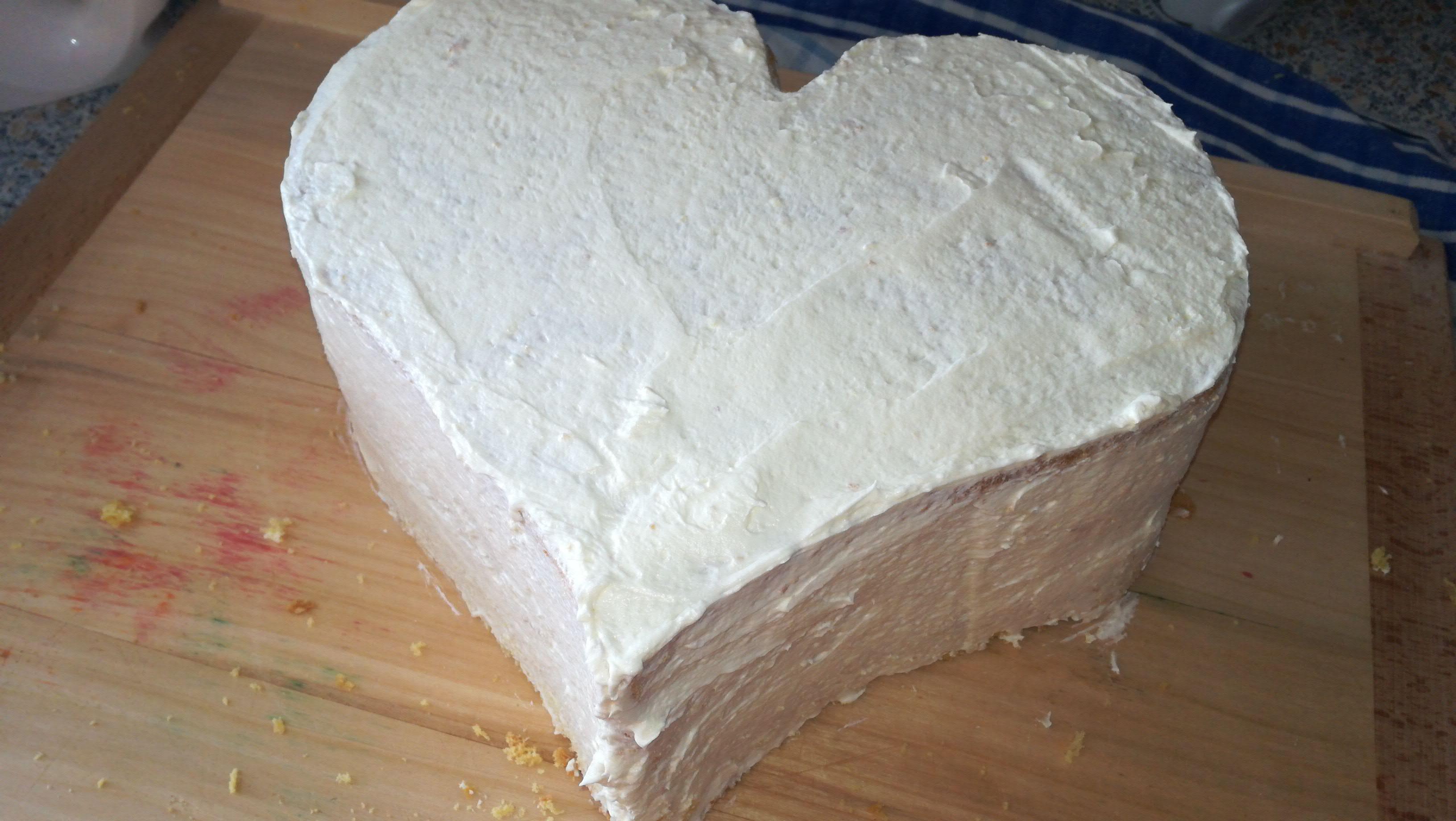 9. Potření dortu krémem
