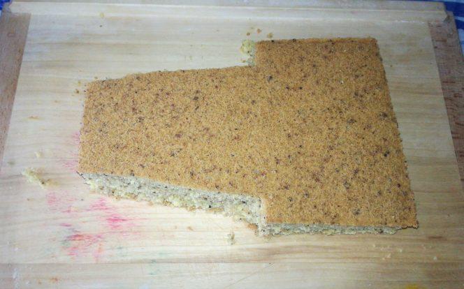 5. Vyříznutí spodku dortu