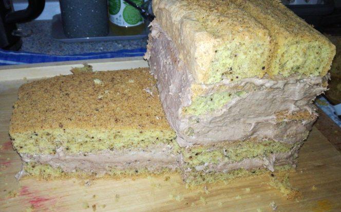10. Sestavení dortu
